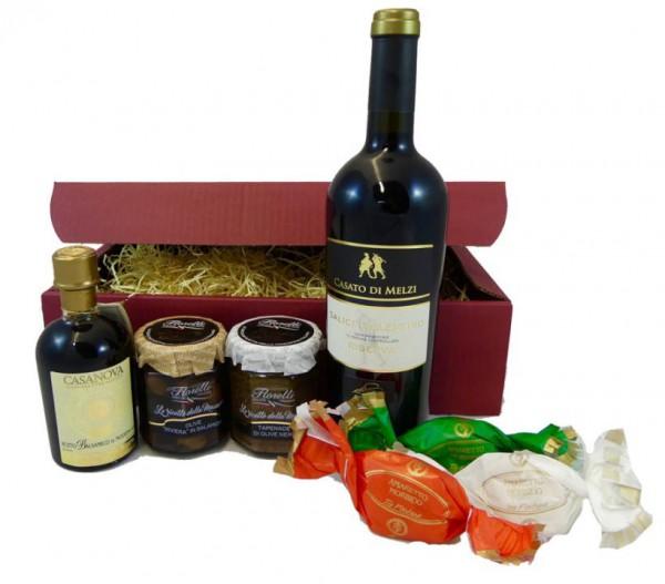 Geschenkset Rotwein: Salice Salentino Riserva mit italienischen Genüssen